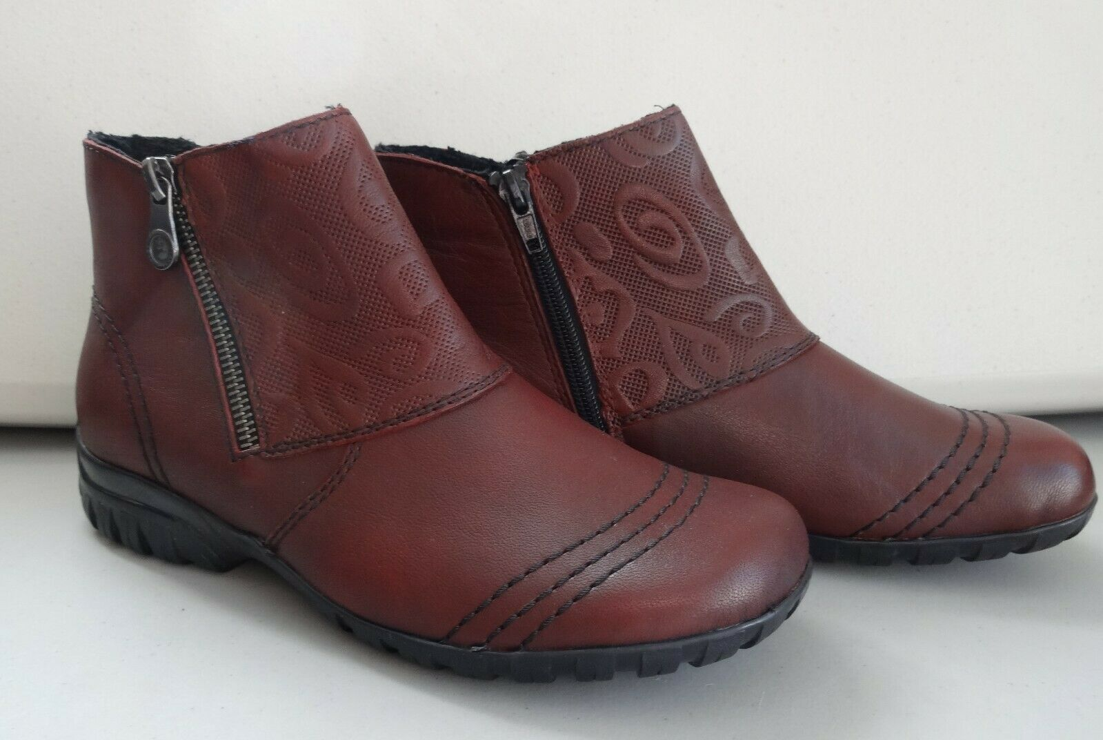 Rieker Embossed Panel Side Zip Leather Ankle Boot Size 4 (37) Burgundy