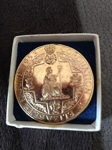 Queen Elizabeth II 1953 Corornation Gold Plated Medallion In Origional Case .