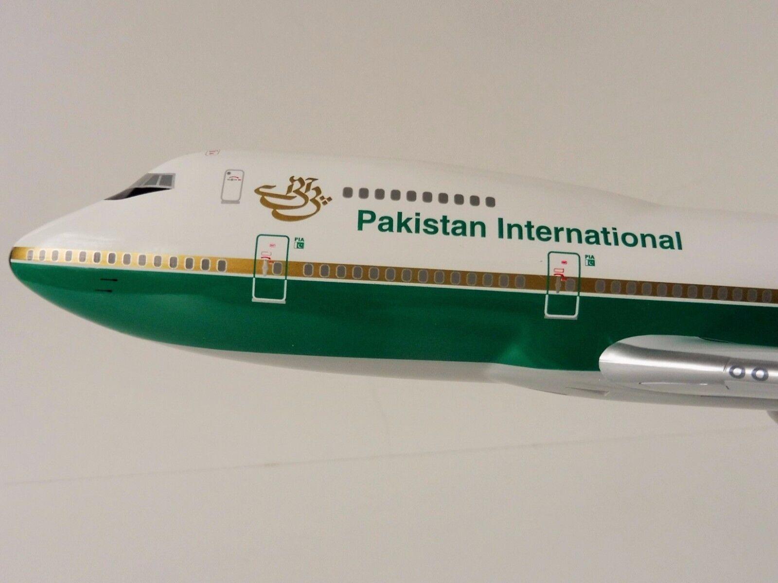 Boeing 747-200 Pia Pakistán International Airlines 1 200 Hogan Wings 0113 Limox