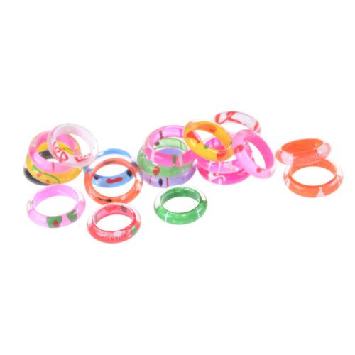 10x Phantasie Acryl Harz Kinder Ringe Mischfarben Kinder Kostüm Geschenk 4H