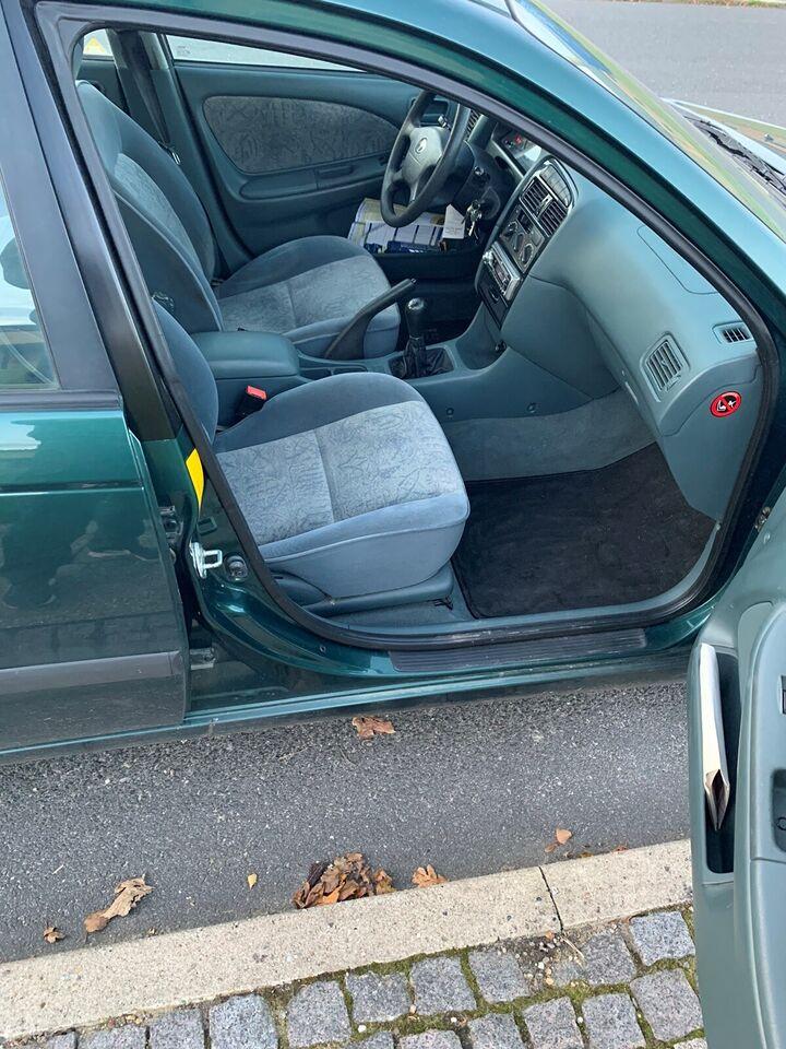 Toyota Avensis, 1,8 Luna, Benzin