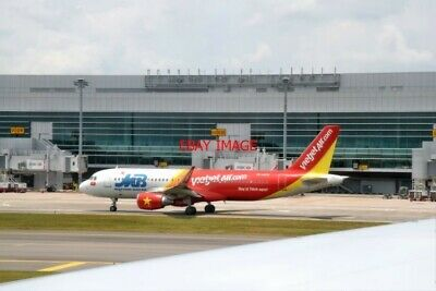 Photo Airbus A320-214 Vn-a675 Of Vietjet Air At Changi Airport Singapore Durable In Use