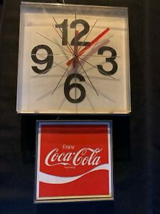 VINTAGE-1970-039-S-COCA-COLA-WALL-CLOCK-USA-Made-Plastic-1974-Large-Numbers-Working