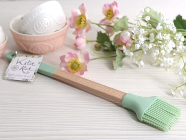 KATIE ALICE Cottage Flower Beech & Green Silcone PASTRY BRUSH