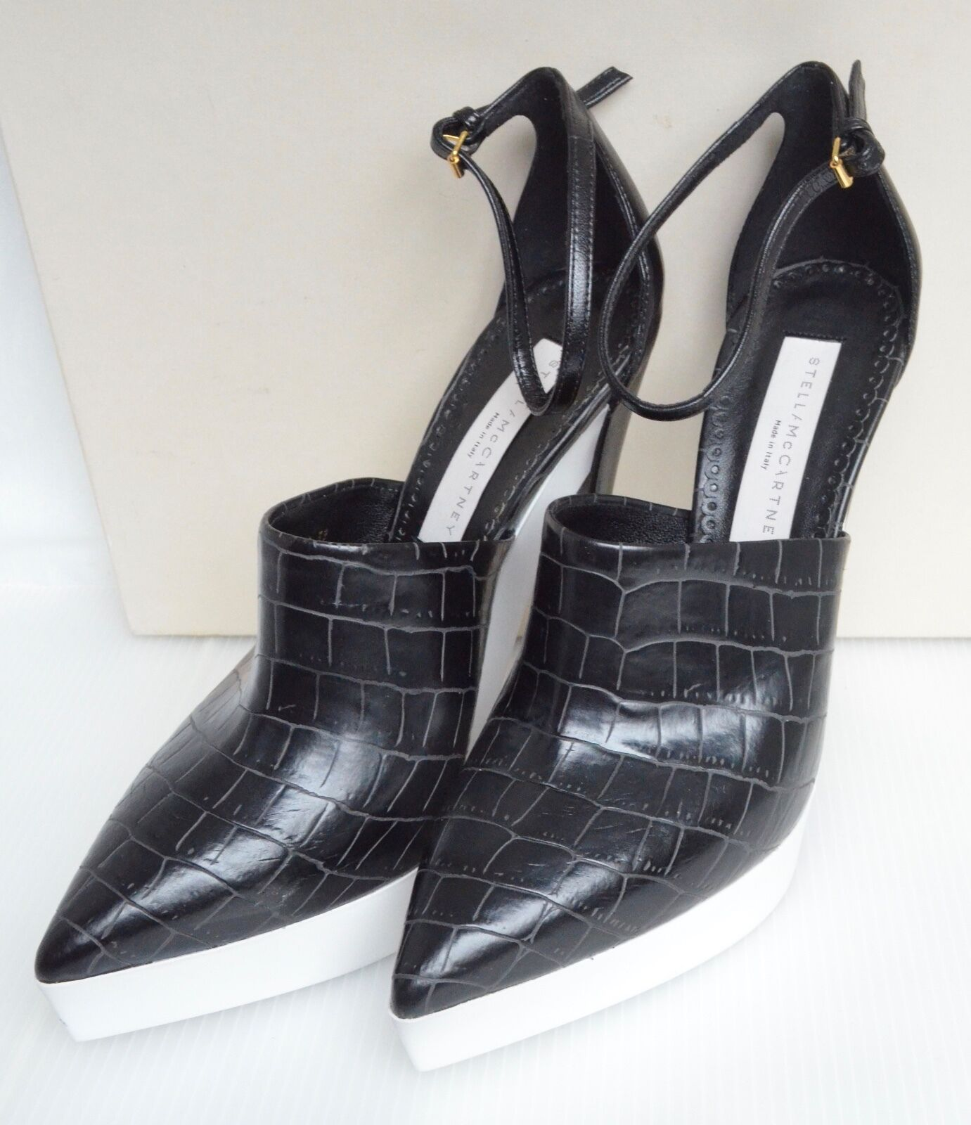 Stella McCartney Zapatos BK y blancoo Imitación Cocodrilo Nuevo y y y en caja Tamaño UK7, EU40, US 9  Todos los productos obtienen hasta un 34% de descuento.