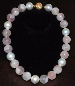 Collar-Perla-Rosa-Cuarzo-Grande-Llamativo-Tono-Dorado-Cristal-Cierre-22-Pulgadas