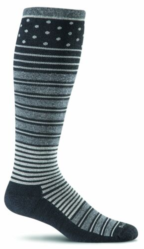 Sockwell SW29W Women/'s Twister Graduated Compression All Color Socks
