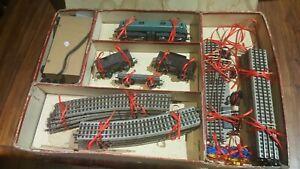 VB-echelle-ho-coffret-avec-locomotive-BB-et-wagons-de-marchandises