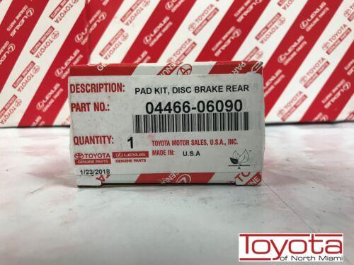 LEXUS OEM FACTORY REAR BRAKE PAD SET 2007-2012 ES350 04466-06090