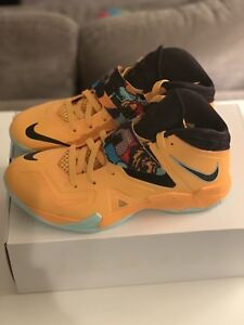 new style 334f0 b1a9a Image is loading Nike-Zoom-Lebron-James-Soldier-VII-Pop-Art-