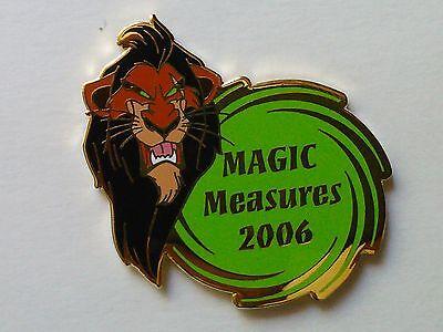 2004 DISNEYLAND CAST MEMBER WDTC MAGIC MEASURES PLUTO LE 250 AWARD DISNEY PIN