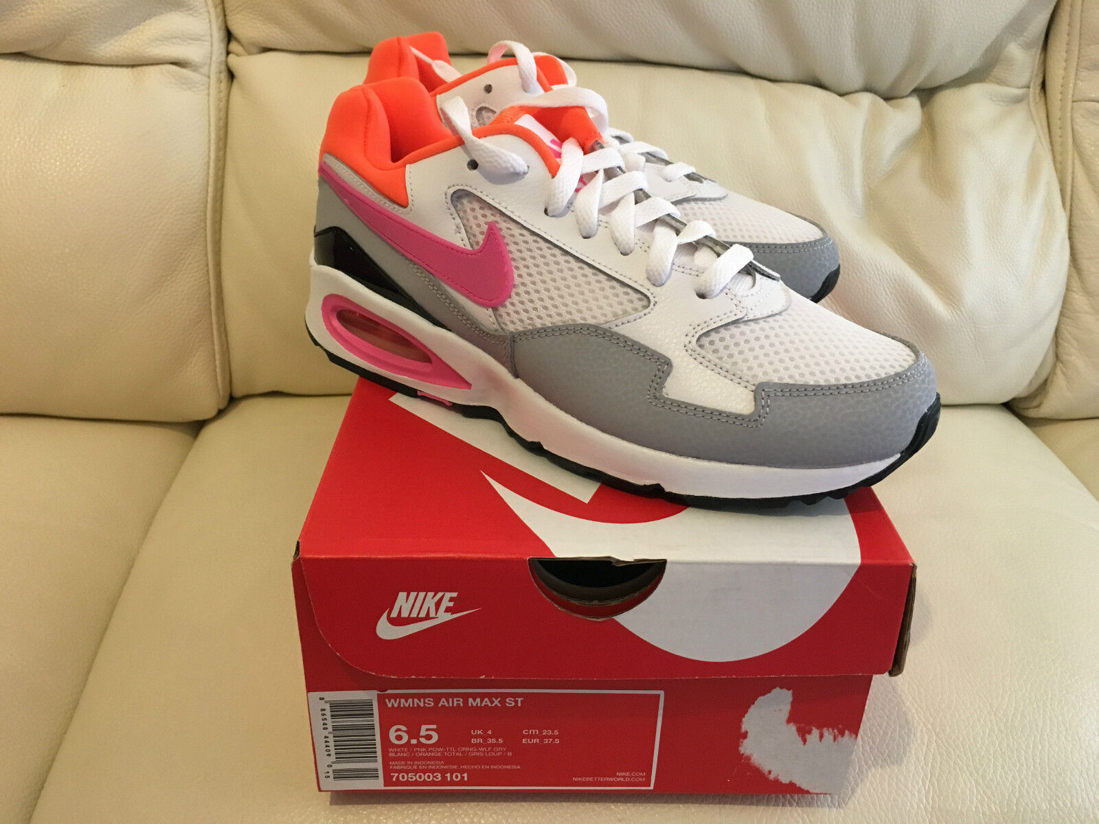 NIKE damen AIR MAX ST ALL GrößeS UK 4-8 LIMITED EDITION NEW LOOK