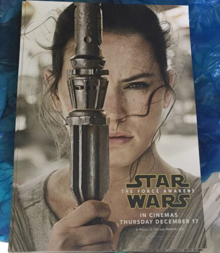 STAR WARS THE FORCE AWAKENS REY CINEMA PROMO CARD 21CM X 15CM V.RARE
