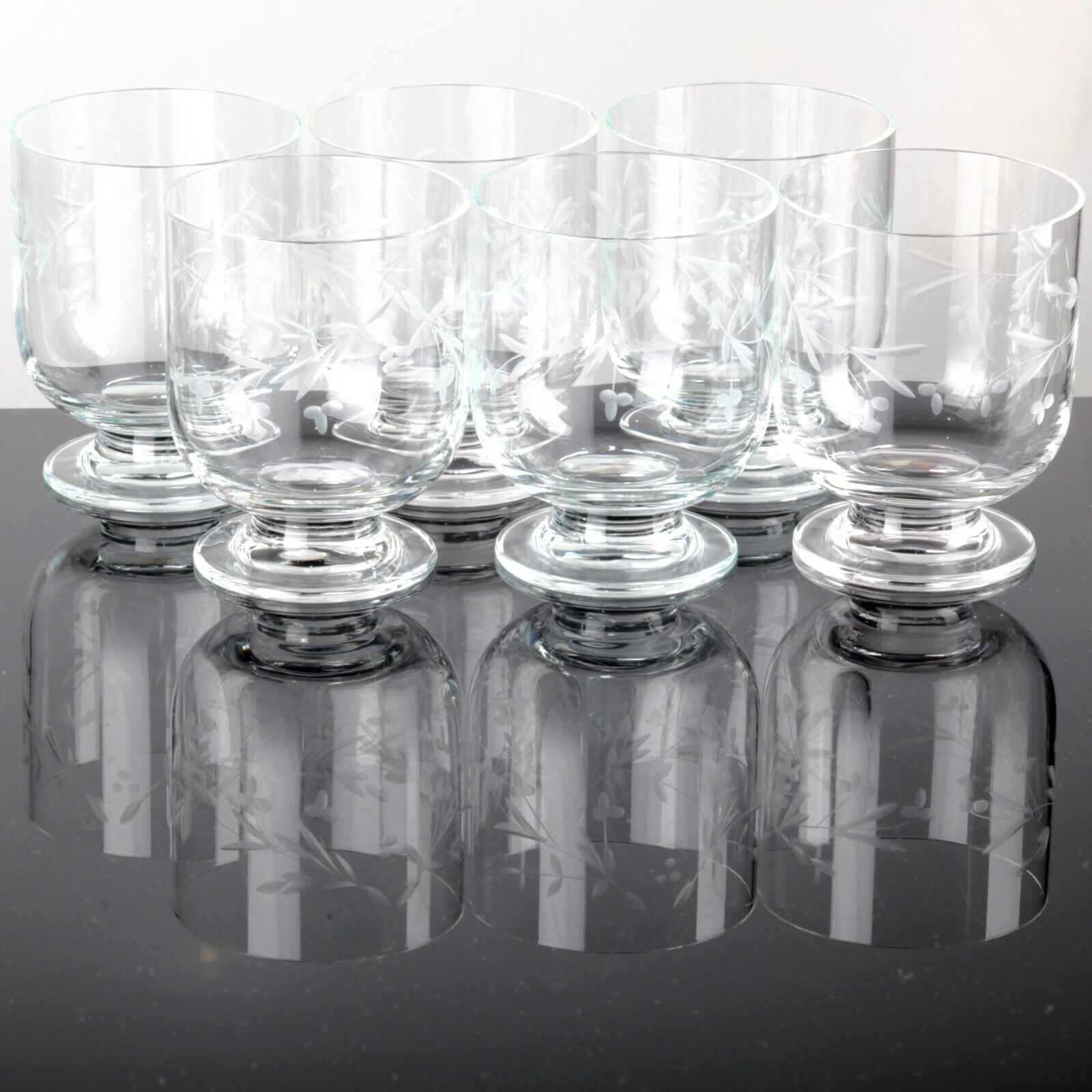 6 Fußbecher Becher Gläser Gläser Gläser Wassergläser Saftgläser Vintage Gravur Floral ReUse aa8dd1