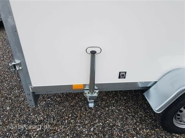 Trailer Cargo F2741HT med Ramp, lastevne (kg): 2700