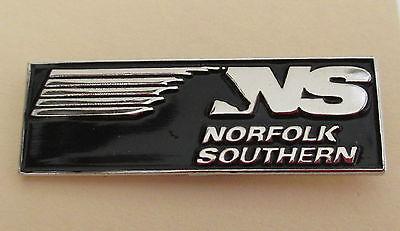 e LAPEL Pin HAT Pin NORFOLK SOUTHERN NS Railroad PIN