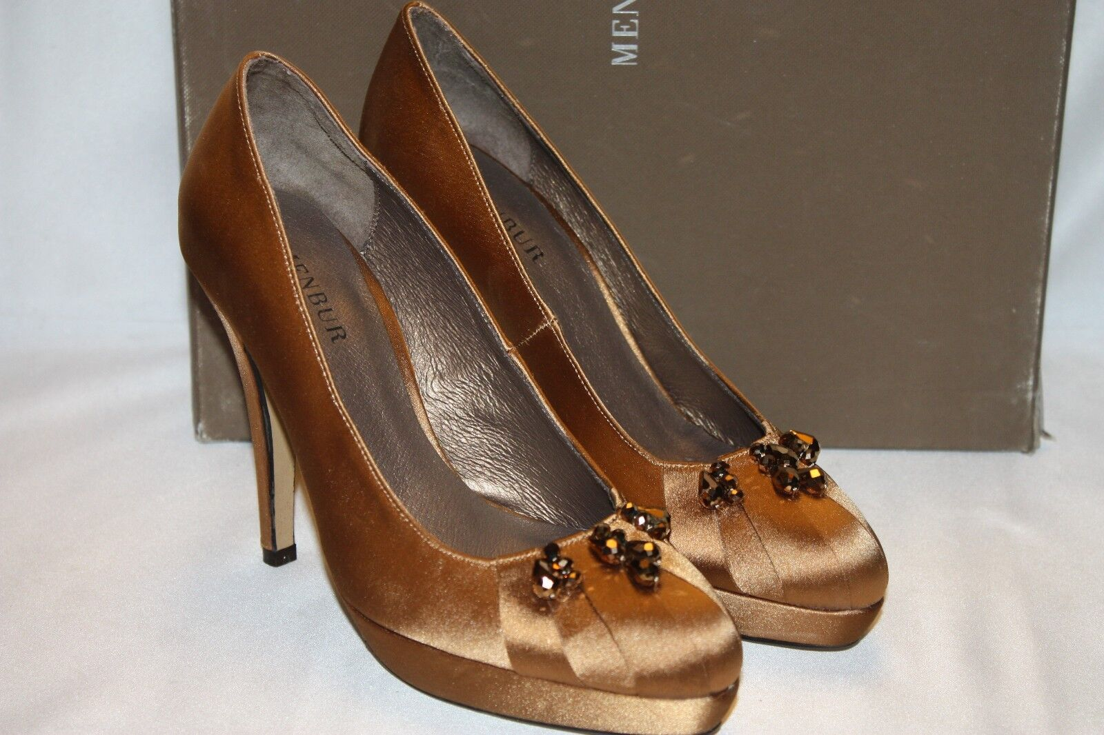 NEW  NIB  MENBUR Camel Gold Gold Gold Satin Heels Jeweled Pumps Sz 5.5 / EU36 a5762d