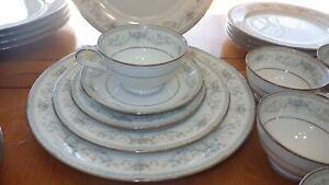 Fine-China-Dinnerware-set-Colburn-by-NORITAKE-service-6-Blue-Floral-1960-vintage