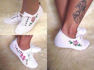 Nuevas damas Calado Con Cordones Zapatillas Con Flores Bordadas Blanco