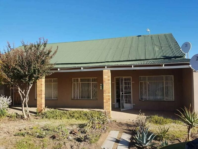 2 Bedroom Apartment For Sale in Winburg