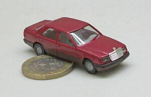 Herpa-03097-Mercedes-Benz-300-E-Rosso-MEAD