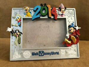 3D-4-Parks-Disney-World-Picture-Frame-2014-Mickey-amp-friends-4-x-6-034-photo-one