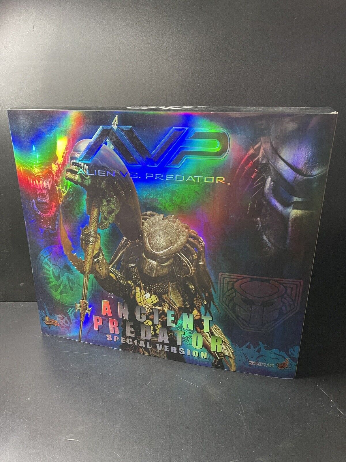 Ancient Predator Special Version Hot Toys 1.0 (used) on eBay thumbnail