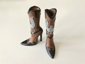 Bratz Doll Girl Shoes Silver Eagle