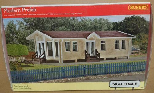 RARE Hornby Skaledale R9802 OO Gauge Modern Prefab Static Caravan Lodge NEW