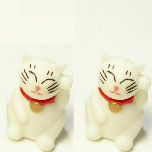 Dollhouse Toy Waving Beckoning Cat Set//2 11996 Game Pcs Micro-mini Miniature