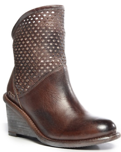 NWB BED STU Dutchess Wedge Distressed Ankle Boots in Teak Rustic Size 6.5