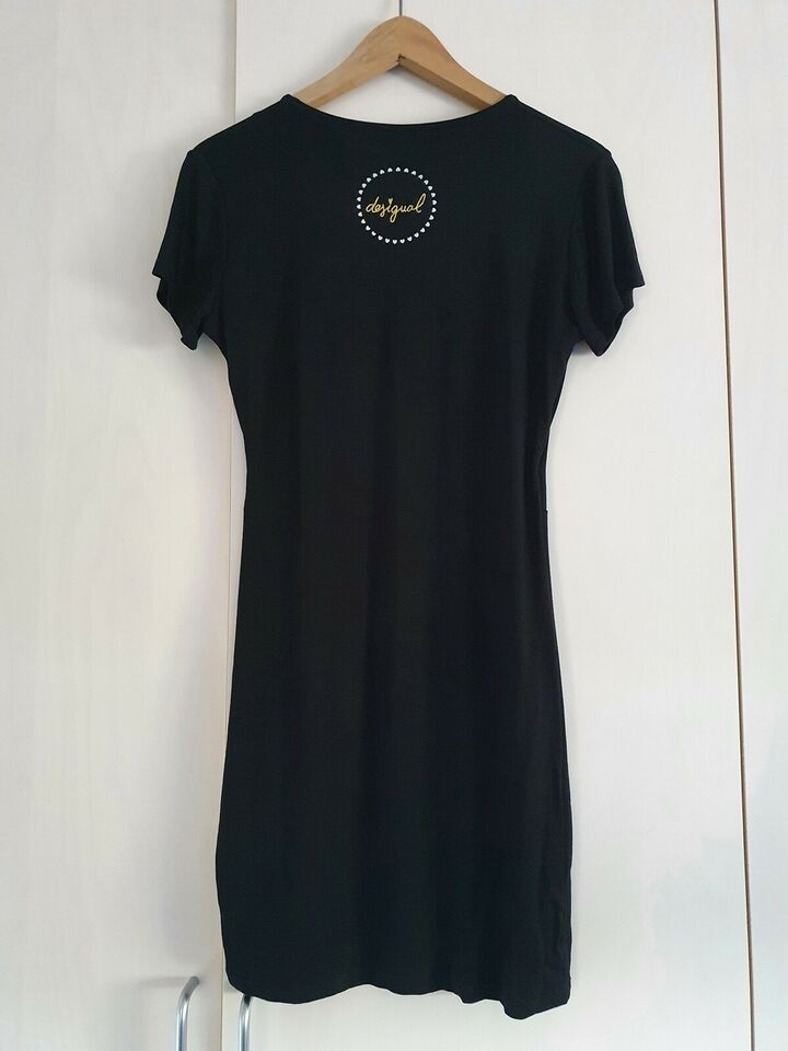 Anden kjole, Desigual, str. S