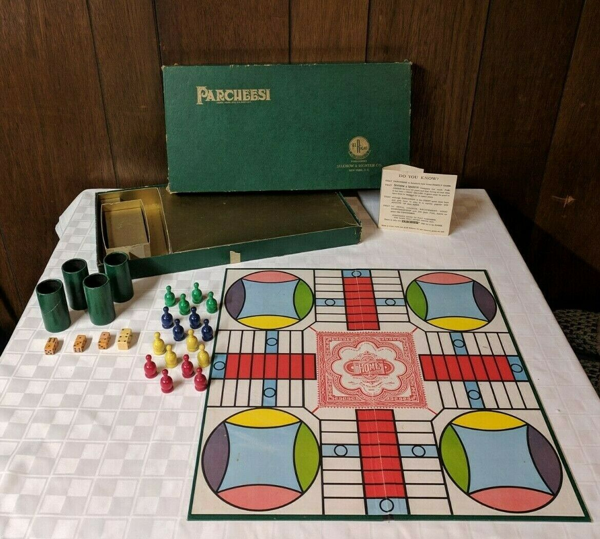 Vintage 1959 Parcheesi Green gold Box SelRight Selchow & Righter Co.
