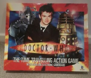 Doctor-Who-The-Time-Travelling-Action-Game-Revolving-Electronic-Board-COMPLETE