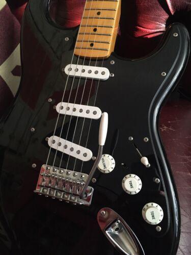 Complete Set of Fender Stratocaster Pickguard Screws 19 in total