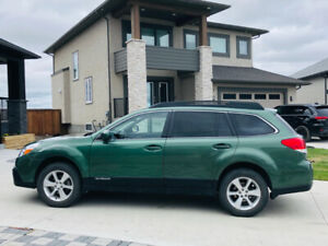 2013 Subaru Outback 2.5i  Limited /DVD/ Low KM /Private Sale