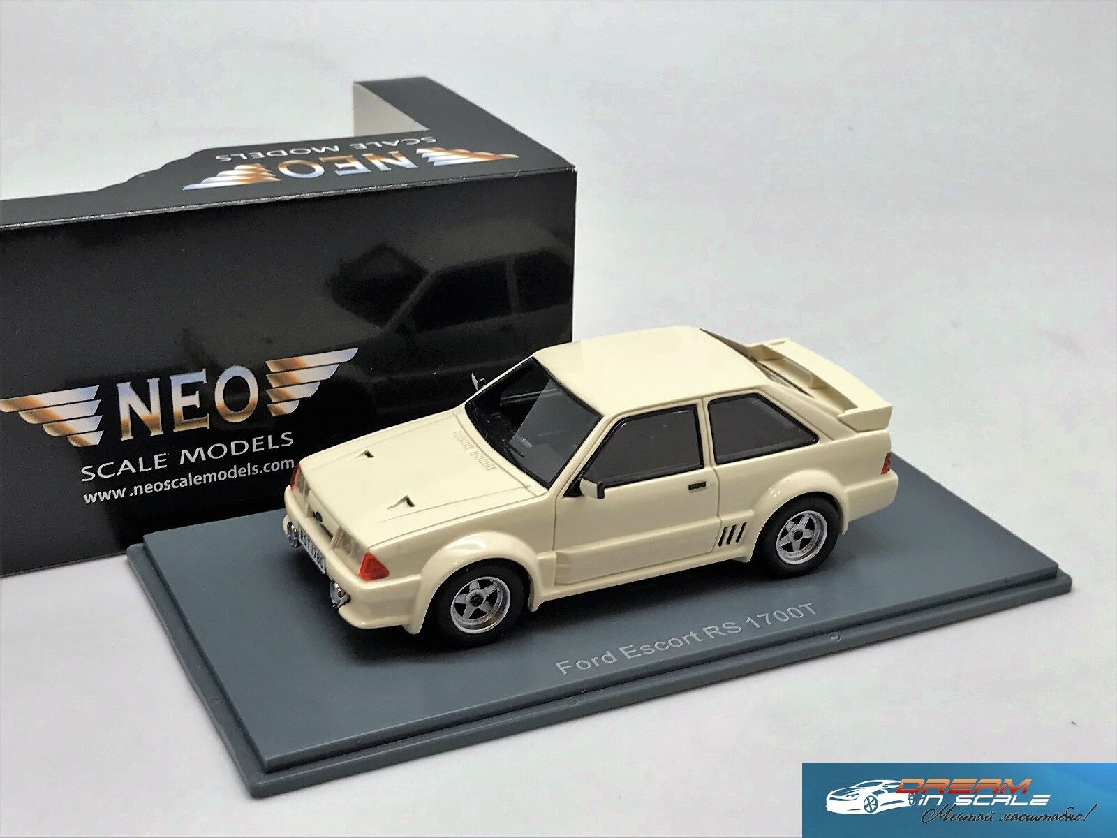 Ford Escort RS 1700T vit NEO 45835 1 43