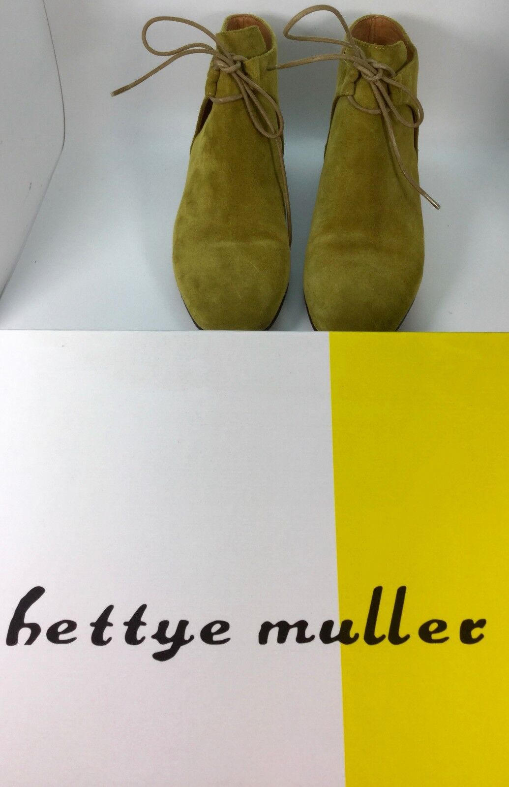 BETTYE MULLER Suede Lace Up Floyd Ankle Bootie Größe 37 395