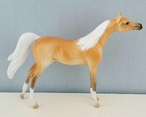 Peter-Stone-Chips-Model-Horse-Glossy-Palomino-Arabian-Handpicked-NICE