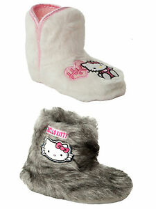 b566d9e6ce8 GIRLS OFFICIAL HELLO KITTY FURRY PULL ON BOOTEE SLIPPERS BOOTS KIDS ...