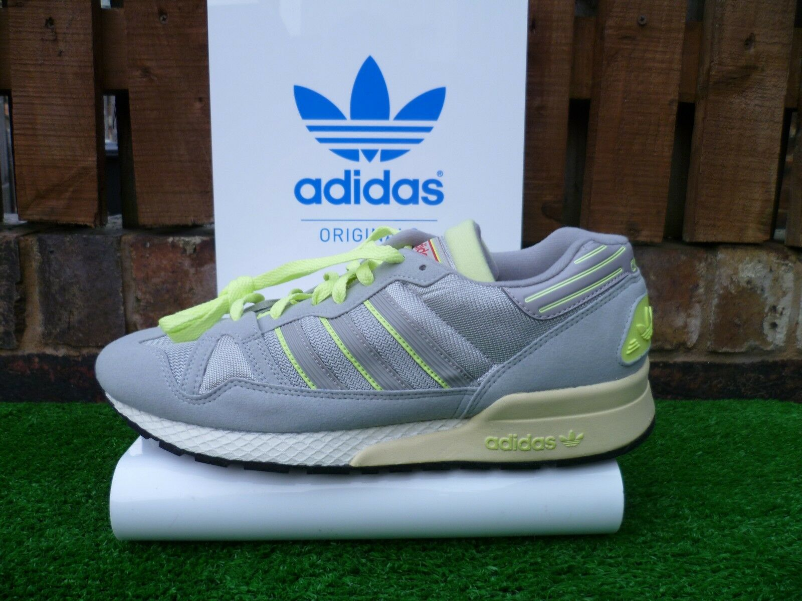 Adidas ZX 710 UK8.5  80s casuals UK8.5 710  BNWT 2013 6 7 5 00 VERY RARE COLOURWAY LOOK f93974