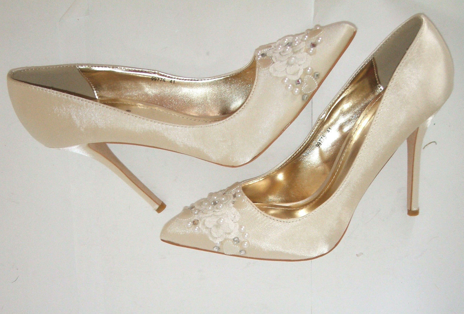 BN SIZE 8 41 IVORY CREAM HAND CUSTOMISED HEART DIAMANTE PEARL LACE BRIDAL Schuhe