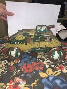 "1950 Hot Mess MARX 9-1/2"" LITHOGRAPHED TIN WIND-UP E-12 CAMOUFLAGE ARMY TANK"