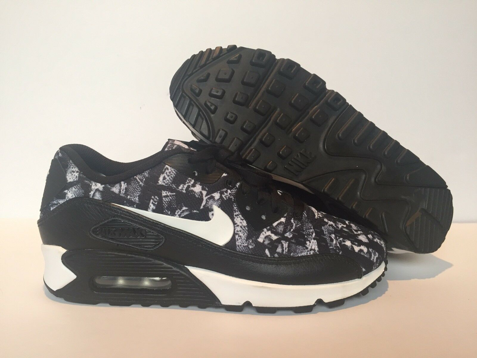 NIKE ID MENS AIR MAX 90   BLACK/WHITE SZ 7.5 [822563-901] NEW