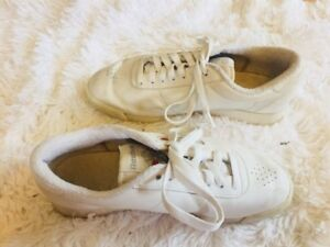 Reebok-Classic-Athletic-Casual-Sneakers-White-Shoes-7-5-Women-s-Vintage