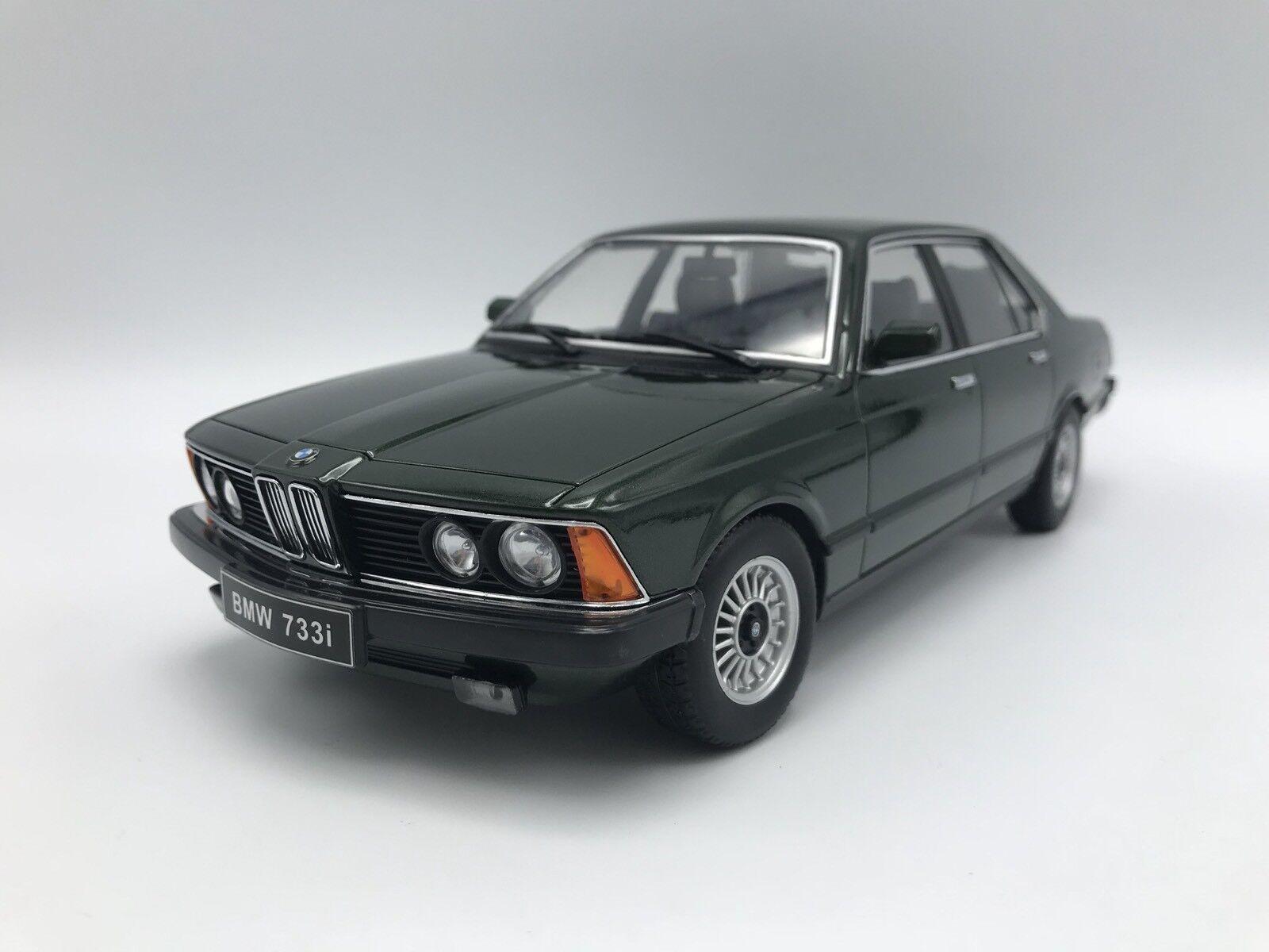 BMW 733i (e23) 1977-Metallic-Vert foncé - 1 18 KK-Scale