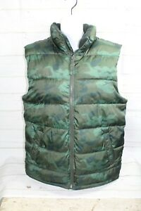 9aa601b801945 Old Navy Men s Size M Green Camo Puffer Vest  MINT