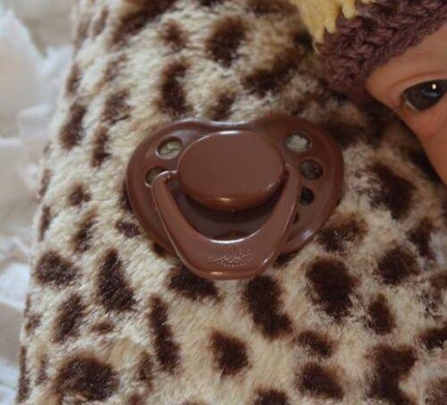 Honeybug MAGNETIC PACIFIER reborn art doll Sweetheart newborn handle BROWN