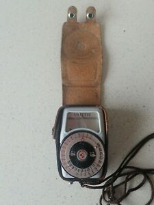 Vintage exposure meter super actino with leather case Untested