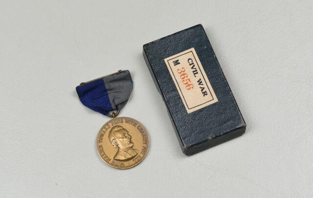 CIVIL WAR ARMY CAMPAIGN MEDAL IN ORIGINAL BOX – NUMBERED ORIGINAL, NEAR MINT
